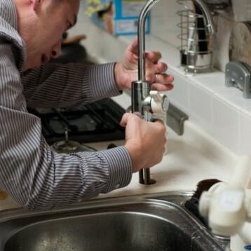 Fuite d'eau à la cuisine: comment procéder?
